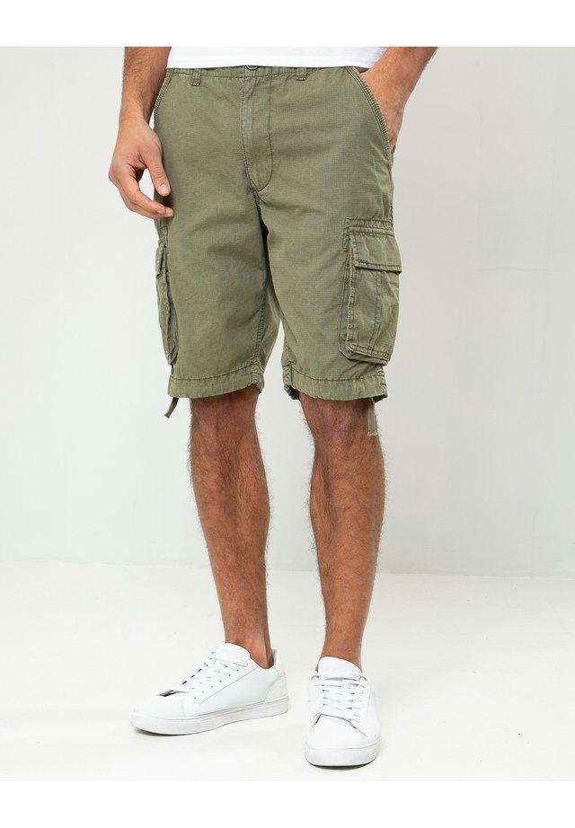 MANCHESTER - Shorts - grã¼n