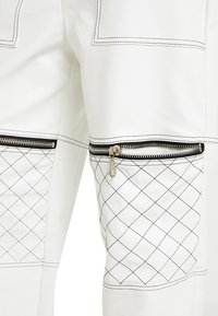 The Ragged Priest - MOTOR PANT WITH CONTRAST STITCH DETAIL - Kalhoty - white - 4