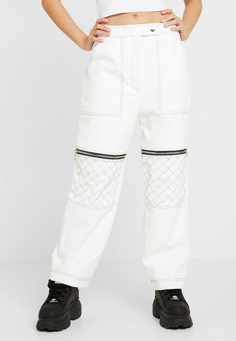 The Ragged Priest - MOTOR PANT WITH CONTRAST STITCH DETAIL - Stoffhose - white