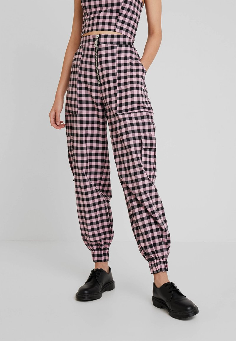 The Ragged Priest - PINK GINGHAM COMBAT TROUSER WITH CUFFED HEM - Kangashousut - pink