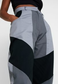 The Ragged Priest - PRESSURE PANT - Kalhoty - grey/multi - 5