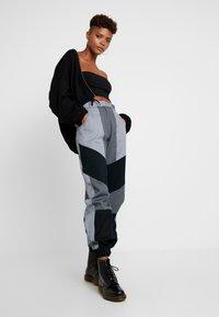 The Ragged Priest - PRESSURE PANT - Kalhoty - grey/multi - 2