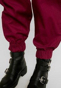 The Ragged Priest - TOPIC PANT - Bukse - maroon - 4