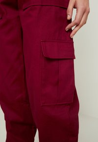 The Ragged Priest - TOPIC PANT - Bukse - maroon - 7