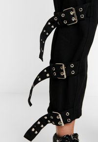 The Ragged Priest - DRILL STRAIGHT LEG TROUSER WITH BUCKLE & EYELET DETAIL - Bukse - black