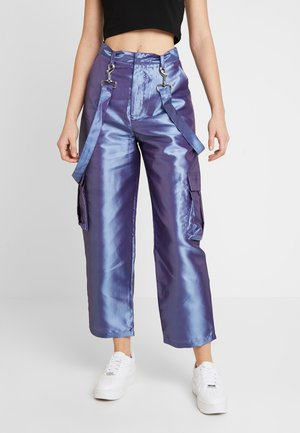 STRAIGHT LEG TROUSER WITH COMBAT POCKETS & STRAP DETAIL - Trousers - lilac