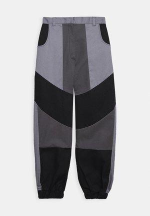 PRESSURE PANT - Trousers - grey