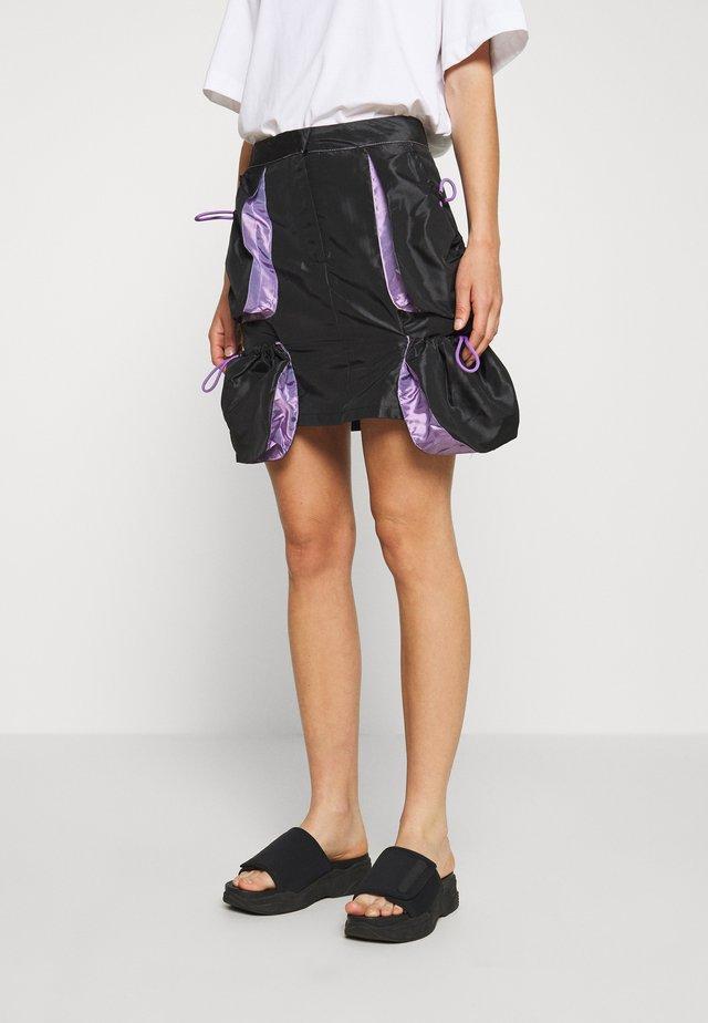 SKIRT GUSSETS - Mini skirt - black/purple