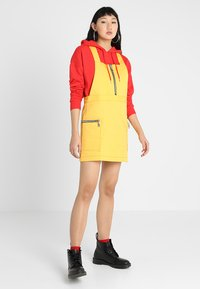 The Ragged Priest - PINAFORE DRESS - Denní šaty - yellow - 1