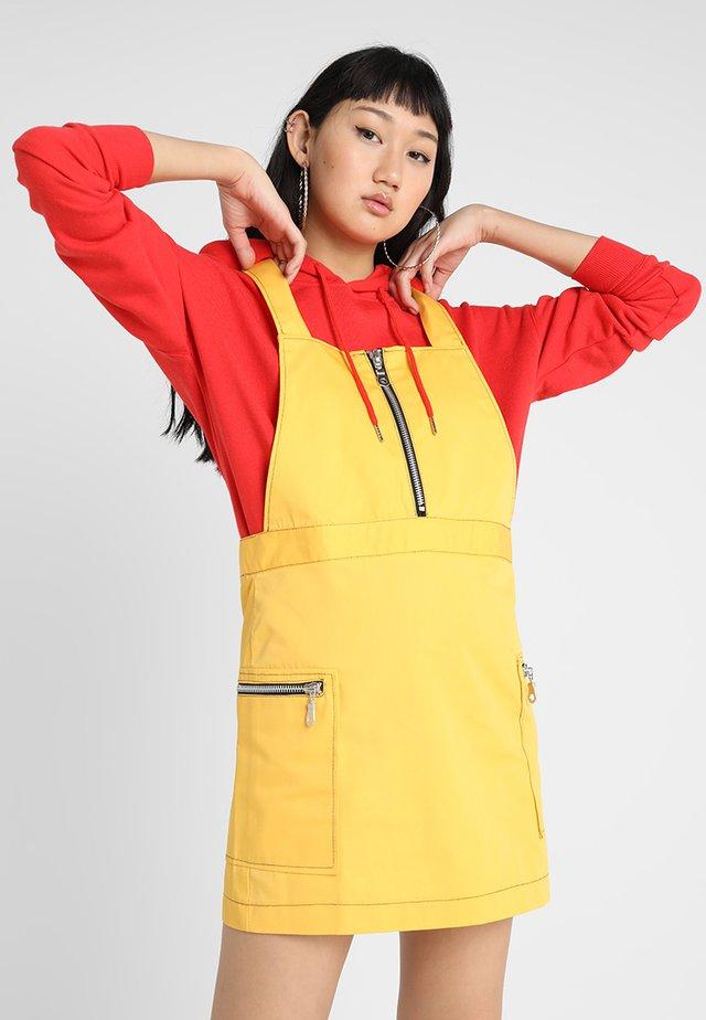 PINAFORE DRESS - Freizeitkleid - yellow