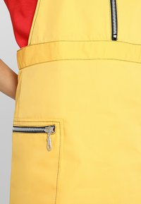 The Ragged Priest - PINAFORE DRESS - Denní šaty - yellow - 4