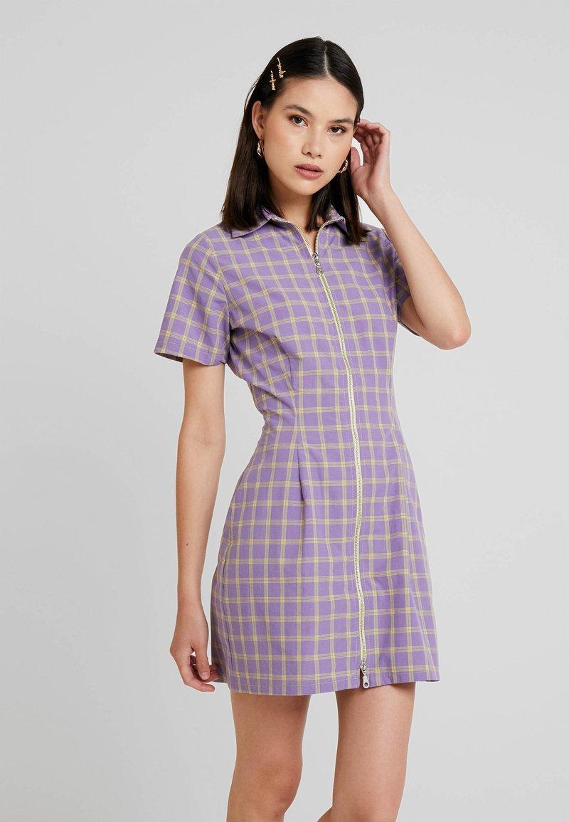 The Ragged Priest - CHECK DRESS WITH CONRAST ZIP - Skjortklänning - violet