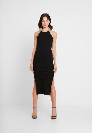 MIDI HALTER DRESS WITH CHAIN DETAIL - Pletené šaty - black