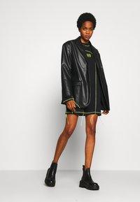 The Ragged Priest - EXPOSED SEAM DRESS - Korte jurk - black/lime - 2