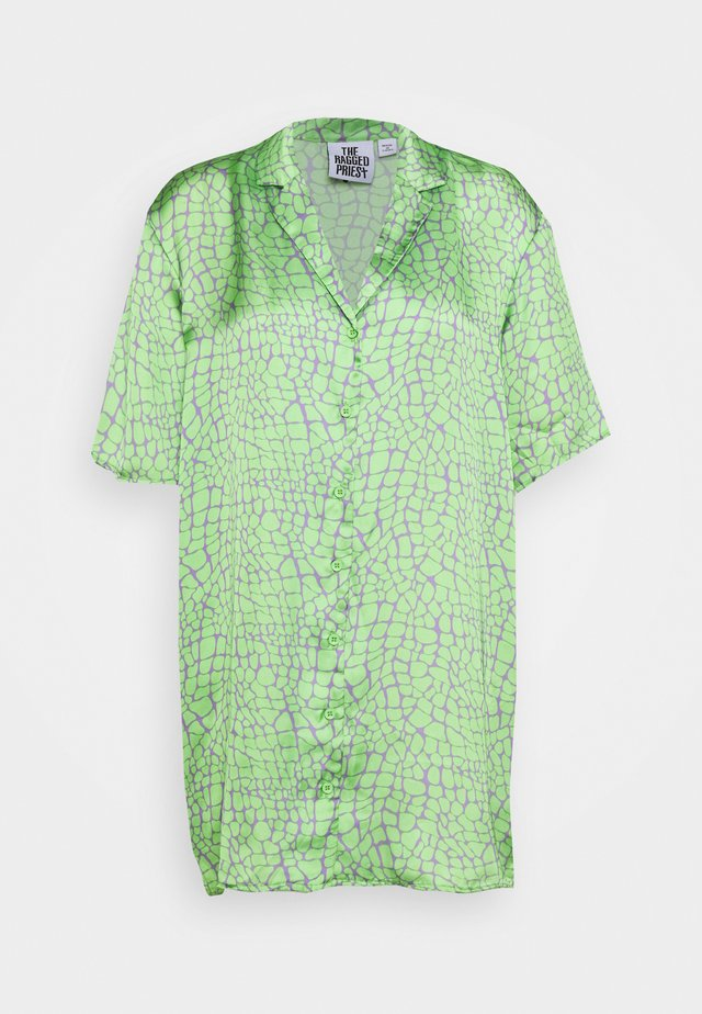 PRODUCER SHIRT DRESS - Freizeitkleid - lime/purple