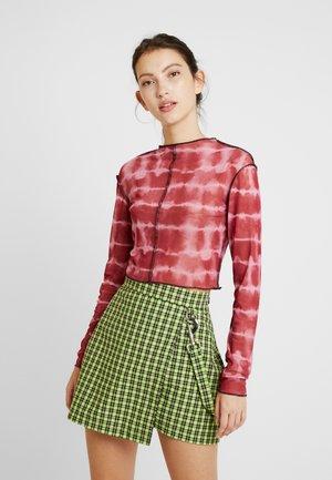 RUNAWAY CROP - Long sleeved top - maroon/pink