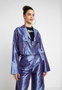 The Ragged Priest - TAFFETA CROPPED WITH COMBAT POCKET TRIGGER HOOK AND STRAP  - Summer jacket - lilac - 0