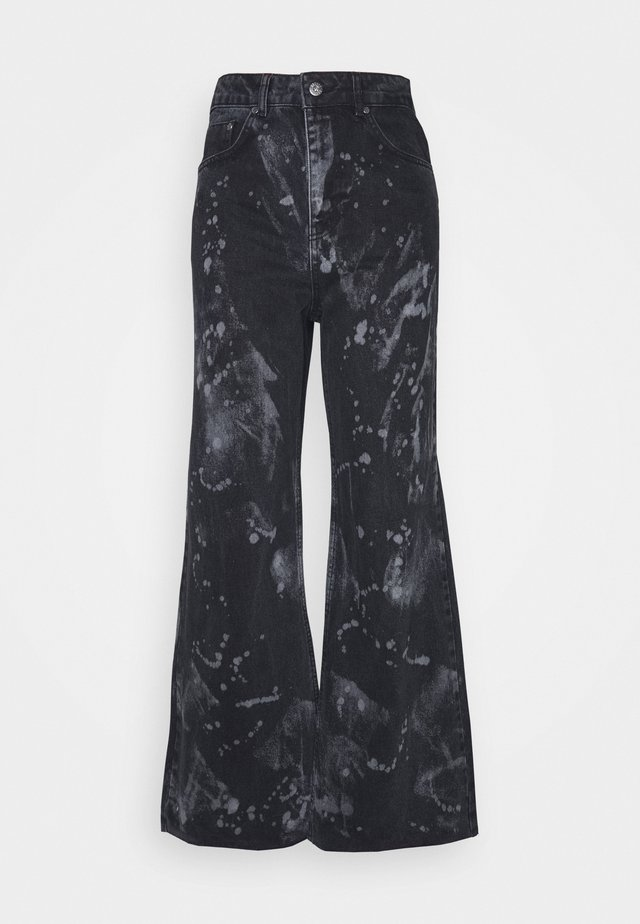 TRIP WITH BLEACH SPLATS - Relaxed fit -farkut - charcoal