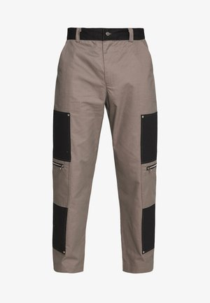 TWO TONE CARPENTER TROUSER WITH ZIP POCKETS - Cargobukser - grey/black