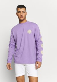 The Ragged Priest - GRAPHIC SLEEVE LOGOLS TEE - Maglietta a manica lunga - purple - 0
