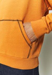 The Ragged Priest - RAGGED HOODIE WITH BACK PRINT - Hoodie - orange - 6