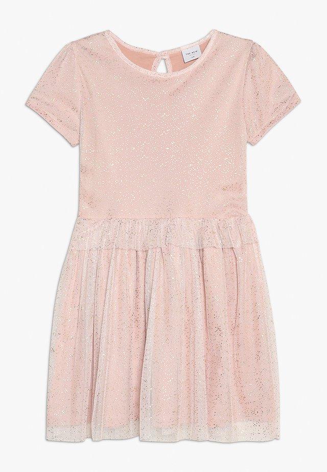 LOVINA DRESS - Koktejlové šaty/ šaty na párty - rose