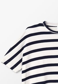 The New - KATHRINE BAT TEE - T-shirt z nadrukiem - black iris - 3