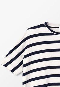 The New - KATHRINE BAT TEE - T-shirt imprimé - black iris - 3
