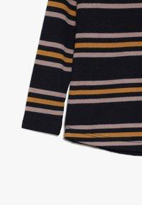 The New - MICHELLE TEE - Maglietta a manica lunga - black iris - 3