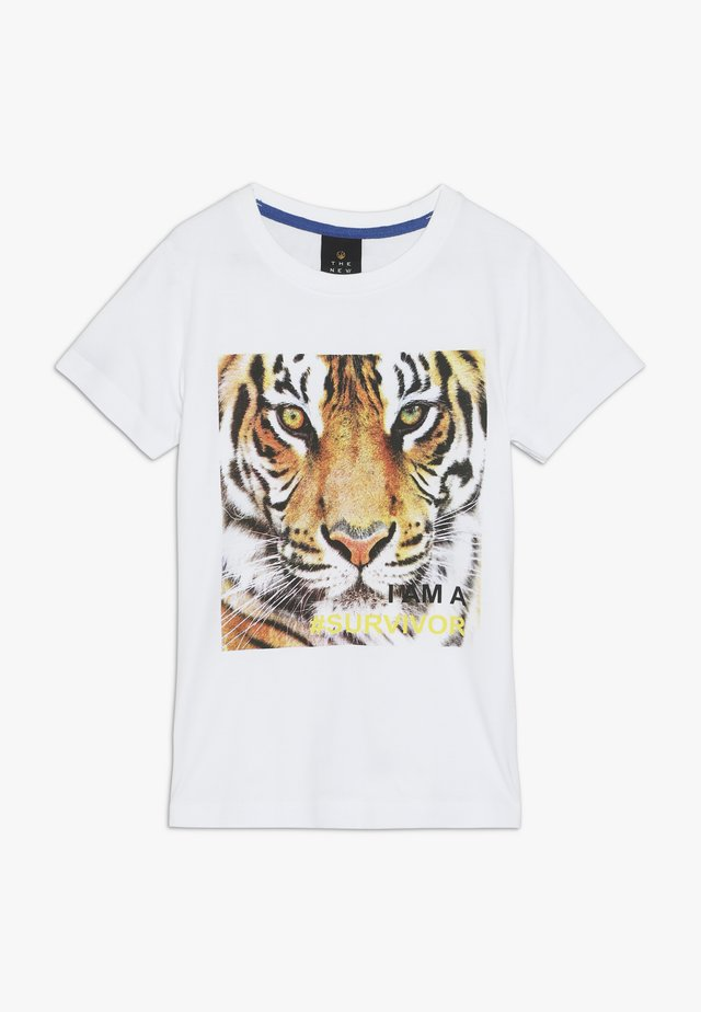 OAK TEE - Camiseta estampada - bright white