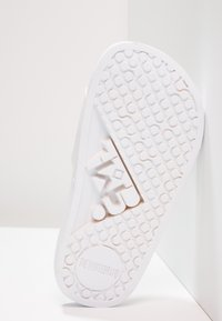 THE WHITE BRAND - BEACH MINIMAL - Pantolette flach - white - 5