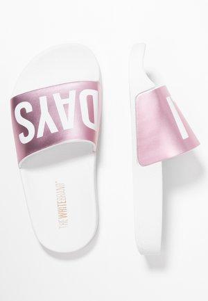 HOLIDAYS - Pantolette flach - metallic pink
