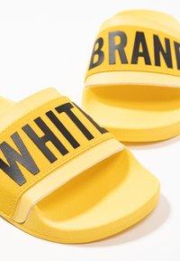 THE WHITE BRAND - MINIMAL ELASTIC - Muiltjes - yellow - 6