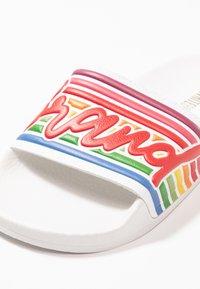 THE WHITE BRAND - BEACH PLEASE - Pantolette flach - white - 2