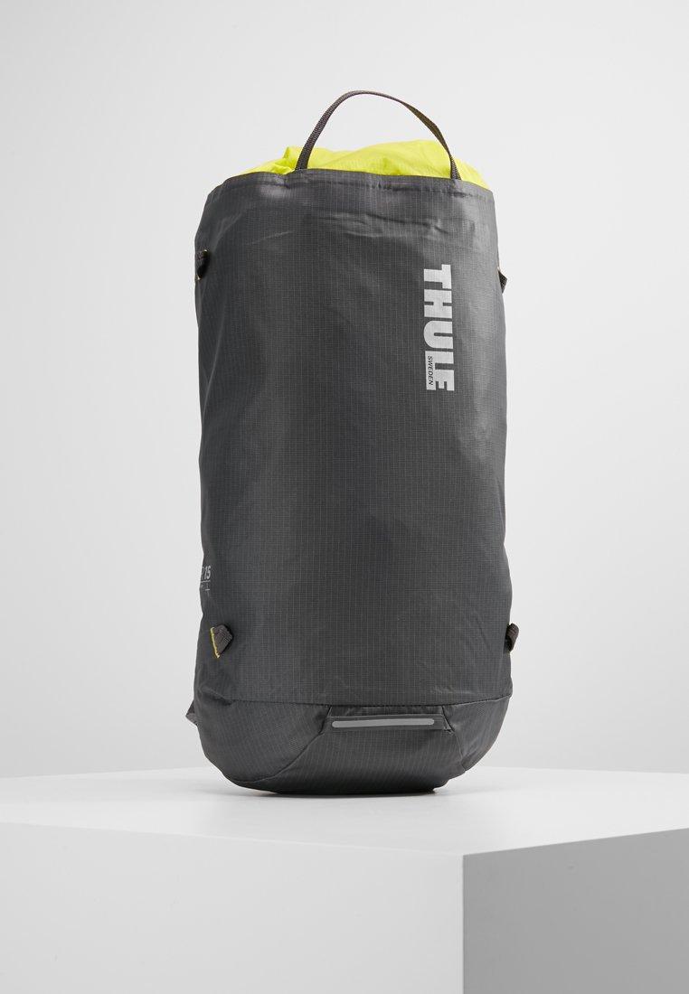 Thule - STIR 15L - Plecak podróżny - dark shadow