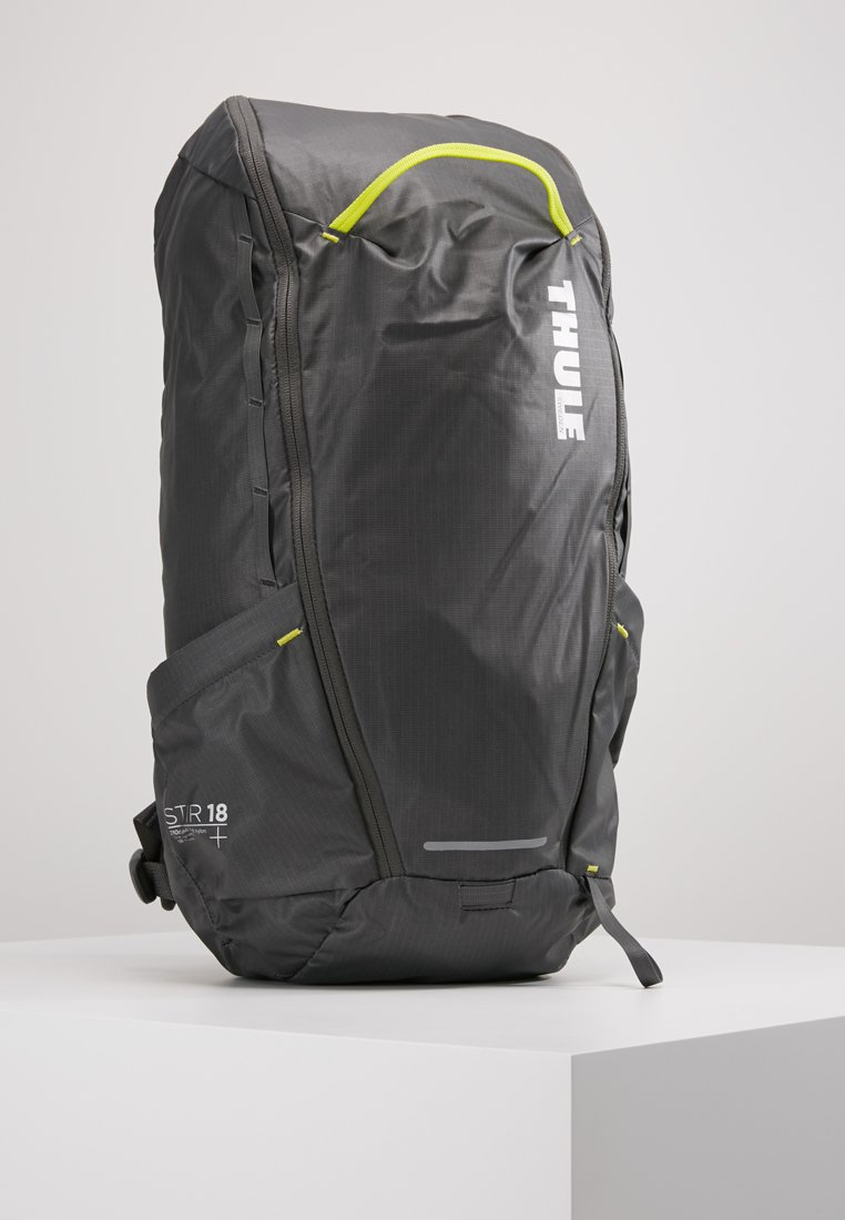 Thule - STIR 18L - Backpack - dark shadow