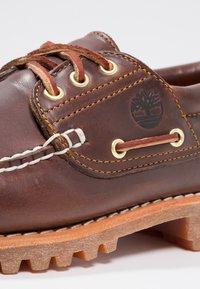 Timberland - AUTHENTICS  - Chaussures bateau - braun - 5