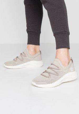 FLYROAM GO STOHL OXFORD - Sneakers - light beige