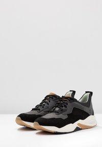 Timberland - DELPHIVILLE - Sneaker low - black - 4