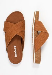 Timberland - MALIBU WAVES CROSS SLIDE - Sandalias planas - rust - 5