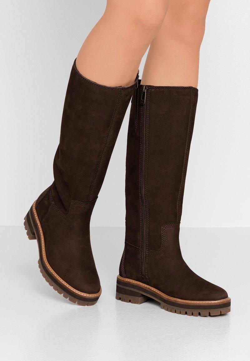 Timberland - COURMAYEUR VALLEY TALL - Vysoká obuv - dark brown