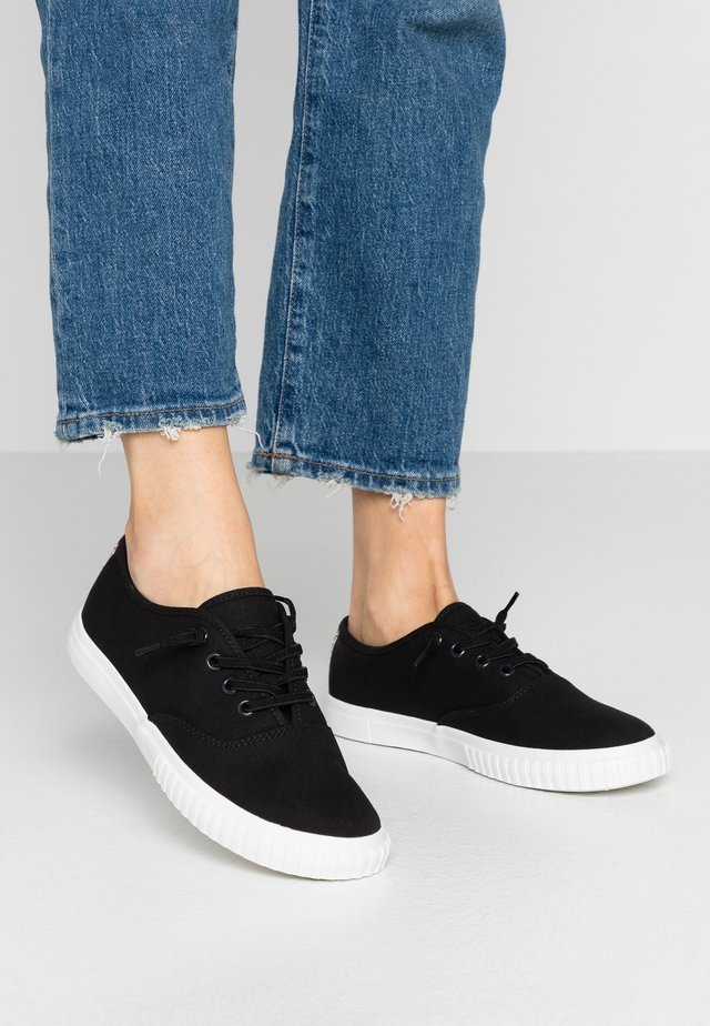 NEWPORT BAY BUMPER TOE  - Sneaker low - black