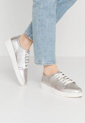 TEYA  - Sneaker low - silver