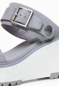 Timberland - KORALYN BAND WEDGE - Pantolette hoch - sleet grey - 5