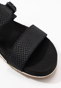 Timberland - MALIBU WAVES SLIDE - Mules - black - 2