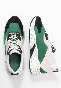 Timberland - DELPHIVILLE  - Sneaker low - dark green - 3