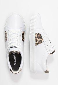 Timberland - SKYLA BAY OXFORD - Sneaker low - white - 3