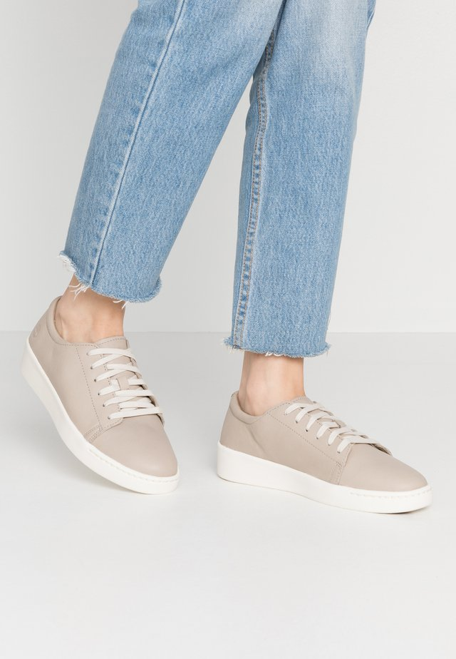 TEYA  - Sneaker low - light taupe