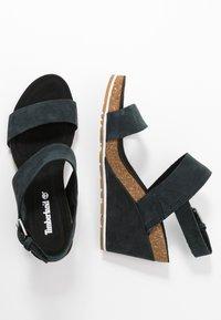 Timberland - CAPRI SUNSET WEDGE - Platform sandals - black - 3