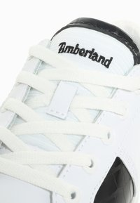 Timberland - SKYLA BAY OXFORD - Sneaker low - white - 5